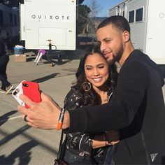 Stephen Curry Smiles all around. Just Making sure I capture the moment right. Stephen Curry Wife, Stephen Curry Ayesha Curry, Stephen Curry Shoes, The Curry Family, Ian Clark, Shaun Livingston, Andre Iguodala, Relationship Goals Pictures, Famous Couples