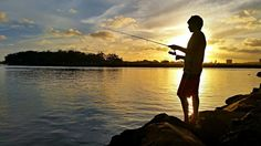 Sunset fishing in Sunshine Coast, Australia. My last fish before I headed off to Vegas!! https://www.facebook.com/LifestylePreneur