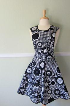 Black and White Graphic Floral Retro Apron.