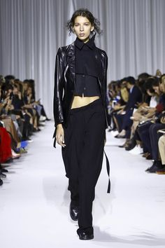 Ann Demeleumeester Fashion Show Ready to Wear Collection Spring Summer 2017 in Paris