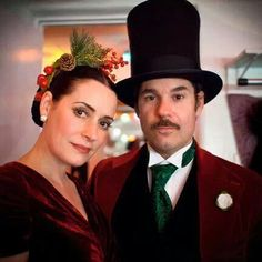 Paget Brewster and Paul F. Tompkins Christmas episode