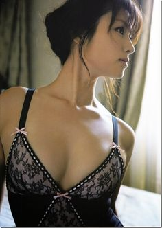 深田恭子の最新写真集「(un)touch」に収録されているランジェリー姿がセクシーすぎる 2014年04月11日23:30