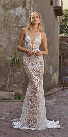 Amazing Wedding Dress, Sexy Wedding Dresses, Wedding Dress Shopping, Sexy Dresses, Bridal Dresses, Dresses Uk, Wedding Dress Bling, Fitted Lace Wedding Dress, Bling Dress
