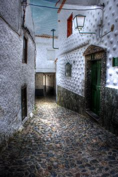 callejuelas by Miguel Diaz Ojeda on 500px