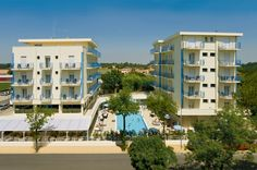 Hotel Miami Lido Di Jesolo Set 200 metres from the beach and next to the popular Piazza Aurora, Hotel Miami features an outdoor swimming pool with sunbathing terrace. Outdoor Swimming Pool, Swimming Pools, Venice, Terrace, Miami, Multi Story Building, Europe, Italy, Mansions
