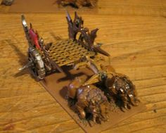 Carruaje orco, colores básicos. Orcish chariot. Mantic, Kings of war