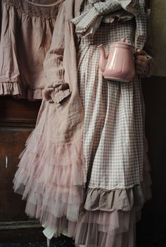 New Shabby Chic Outfits Dresses Mori Girl Ideas Mode Shabby Chic, Shabby Chic Style, Shabby Chic Fashion, Mori Girl Fashion, Grey Fashion, Women's Fashion, Chic Outfits, Pretty Outfits, Fashion Outfits