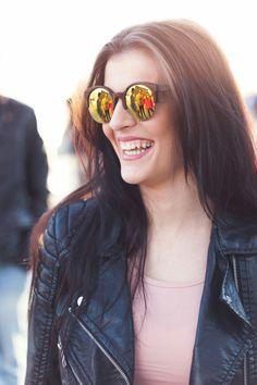 Nueva propuesta gafas de sol, con montura de madera, fabricada a mano. Lentes polarizadas y protección UV400.  #Amarantto