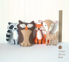 This listing is for four felt woodland forest stuffed animal hand sewing patterns: a fox, a deer, an owl, and a raccoon. Plushie Patterns, Animal Sewing Patterns, Softie Pattern, Stuffed Animal Patterns, Owl Patterns, Embroidery Patterns, Hand Sewing Projects, Sewing Crafts, Diy Crafts