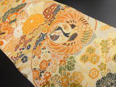 大正ロマン 鶴丸紋に桐菊・宝尽くし模様織り出し丸帯 Japanese Textiles, Vintage Kimono, Boro