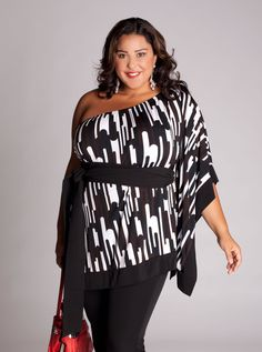 fashion plus size clothing could not look any better.  Beautiful smile, great outfit and women with confidence.  She rocks big size! #generousfashions