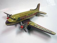 RARE! RETRO Antique DOUGLAS Super DC-3 Aircraft NYC Airplane Propeller Tin Toy