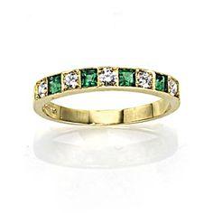 Pretty green ring