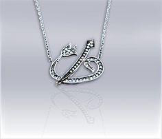 Elif Vav Hayalet Kolye                                925 Ayar gümüşten imal edilen kolye, zirkon taşlarle süslenmiş olup, taşlar gümüş tırnaklarla mıhlama denen teknikle tutturulduğu için  Taşlar  kolay kolay düşmez.Rodyum kaplama saye- sinde beyaz altın ürünlerle birebir aynı gözükmektedir.                                                                                                                        Oruk Silver & Gold Serisi