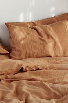 Sandalwood pure French linen bedding is a rich blend of soft brown caramel tones with a hint of apricot. Transform your room with this exclusive shade. Bed Aesthetic, Brown Aesthetic, Aesthetic Colors, Linen Sheets, Linen Bedding, Bed Linens, Brown Bedding, Linen Bedroom, Bedroom Inspo