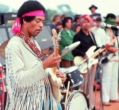 blogAuriMartini: A manhã que Hendrix acordou Woodstock…