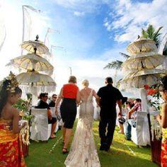 Bali wedding - umbul umbul