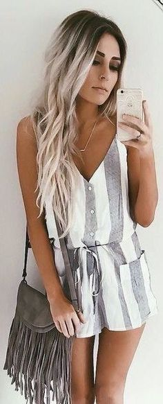 Striped rompers make the cutest summer outfits! (and other great summer outfits to copy! Looks Street Style, Looks Style, Cute Summer Outfits, Spring Outfits, Cute Summer Rompers, Outfit Summer, Dress Summer, Hair Colors For Summer, Rompers For Teens