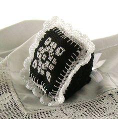 Scent pillow - crochet, cross stitch