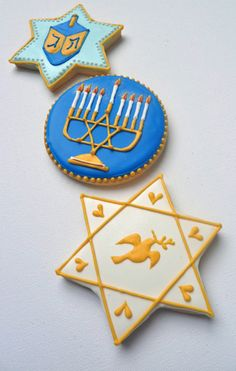 I remember making Hanukkah and Christmas cookies with my grandma. Feliz Hanukkah, Hanukkah Food, Hanukkah Decorations, Happy Hanukkah, Hannukah Cookies, Jewish Cookies, Holiday Cookies, Hanukkah Traditions, Jewish Celebrations