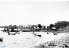 arkiv.dk | Drivkvaser ved Færgegården i Kalvehave, før havnen blev bygget. 1898. Langebæk Lokalhistoriske Arkiv B201 og B490
