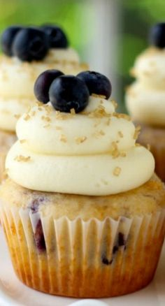 Cinnamon Blueberry Cupcakes with Cream Cheese Frosting Recipe ~ These cupcakes are soft and delicious and topped with delicious cream cheese frosting