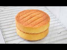Бисквит ЖЕНУАЗ ☆ Самый ПОПУЛЯРНЫЙ бисквит во ФРАНЦИИ - YouTube Sweet Pastries, Cake Tutorial, Coconut Cream, Vanilla Cake, Biscotti, Cake Decorating, Sweet Treats, Cheesecake, Food And Drink