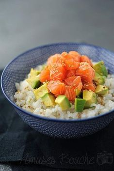 salmon avocado bowl - with brown rice or quinoa Asian Recipes, Healthy Recipes, Salmon Avocado, Quinoa Salmon, Avocado Rice, Quinoa Bowl, Clean Eating, Healthy Eating, Food Inspiration