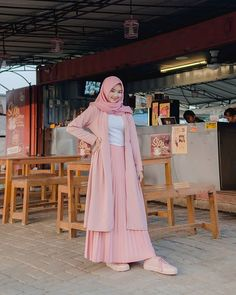 115 top teen muslim outfits ideas for you to have – page 1 Muslim Women Fashion, Modern Hijab Fashion, Street Hijab Fashion, Hijab Fashion Inspiration, Fashion Outfits, Hijab Trends, Hijab Fashionista, Casual Hijab Outfit, Mode Hijab