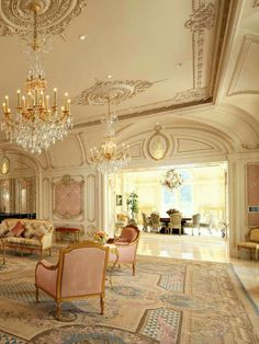 from European Neo-classical Style II classic home decor European Neo-classical Style II Dream Home Design, My Dream Home, Home Interior Design, House Design, Classical Interior Design, Classical Architecture, Mansion Interior, Palace Interior, Classic Interior