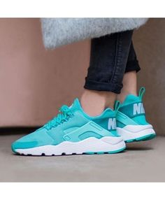 new product 6bb11 8d338 Nike Air Huarache Womens Trainers In Mint Green Sneakers Femme, Chaussure,  Vente Nike Air