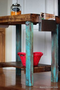 22 Easy DIY Reclaimed Wood Projects For Your Home