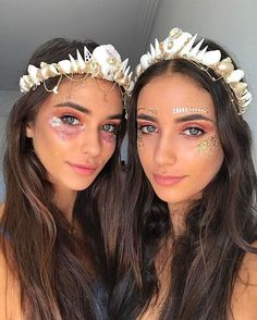 Woweee two of my favorite beauties 👭👸👸❤❤ wearing my creations matched with GLO TATTS 👌in loooovvvveee . You can order via my website www. these are the small/white crown with gold attributes 😍 . halloween makeup looks Coachella Make-up, Coachella Festival, Festival Outfits, Festival Fashion, Festival Clothing, Look Festival, Festival Hair, Festival Makeup, Mermaid Halloween Costumes