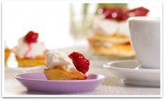 Oopsit :: reseptit :: karppaus.info Pinch Of Salt, Low Carb Bread, Large Egg, Egg Whites, Baking Sheet, Oven, Strawberry, Keto, Fruit