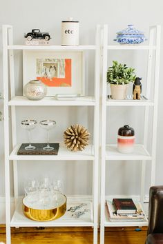 Masterful shelf styling by my friend Caitlin. Check out her feature on SMP Living. My Living Room, Home And Living, Living Area, Lerberg Ikea, Ikea Shelves, White Shelves, Interior Barn Doors, Creative Home, House Rooms