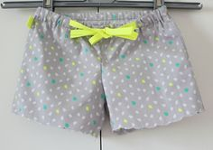 Diy Couture Short, Pop Couture, Baby Couture, Couture Sewing, Short Bebe, Short Niña, Shorts Diy, Short Fille, Pants Tutorial