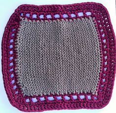 Alfombrilla de trapillo hecha por mi en punto y crochet