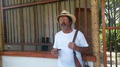 Visita y participación del arquitecto #SimónVélez, diseñador y constructor de la Sociedad Colombiana del Bambú, a la inauguración de la caseta de ingreso del Paraíso del Bambú y la Guadua