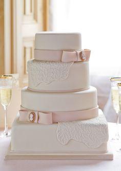 We love: GC Couture Cakes - Bride of Colour Wedding Blog