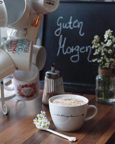 n #milchkaffee #cappuccino #caffeelatte #instacoffe☕☕❤❤ #coffeeandseasons #kaffeeliebe #kaffeejunkie #kaffeezeit #simplethingsmadebeautiful #entschleunigung #diealltagsfeierin #alltagsfeierei