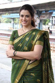 Girija Oak Beautiful Girl Indian, Most Beautiful Indian Actress, Beautiful Saree, Beautiful Women, Beauty Full Girl, Beauty Women, Best Bollywood Movies, Indian Navel, Iranian Women Fashion