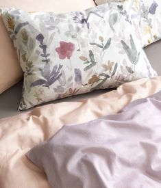 Wohnidee: Frisch ins neue Jahr mit unseren Bettwäsche-Neuheiten Bed Pillows, Pillow Cases, News, Fresh, Textiles, Pillows