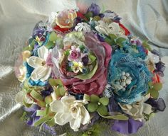 English Garden Brooch BouquetHandmade by ModernWeddingTrends