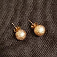 Aros perla baño de oro, un básico de tus joyas