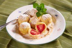 Videorecept - Tvarohové guľky s jahodami - Recepty Kulinárium French Toast, Breakfast, Basket, Morning Coffee