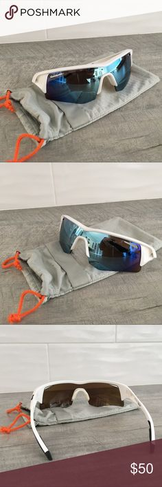 3d6e9424360 SPY Screw Polarized Sunglasses Like new SPY Screw Polarized Sunglasses.  Great for playing sports. Comes with SPY pouch.