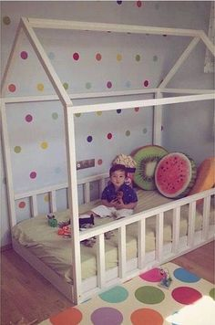 Montessori house bed with guard rails Baby Bedroom, Girls Bedroom, Toddler Rooms, Toddler Bed, Boy Room, Kids Room, House Frame Bed, Little Girl Rooms, Kid Beds