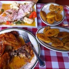 Parada Maimon - Dominican. Amazing fried plantains accompanied with a grilled Red Snapper & amazing roasted chicken.