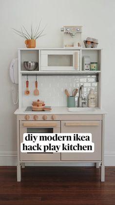 Ikea Playroom, Montessori Playroom, Toddler Playroom, Playroom Design, Toddler Boy Room Ideas, Waldorf Playroom, Living Room Playroom, Playroom Shelves, Modern Playroom