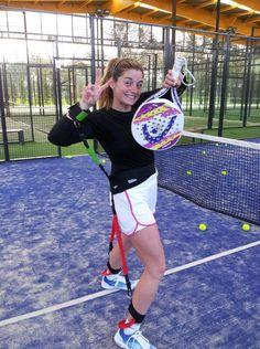Alejandra Salazar con la Head ZEPHYR 3.0 N2   http://www.winpadel.com/Equipamiento-de-jugadores-profesionales/pala-de-padel-head-zephyr-n-2